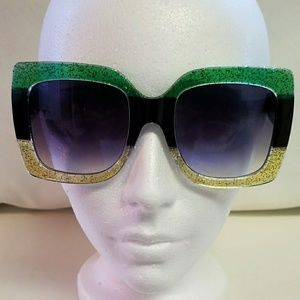 Accessories - Women's shades